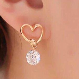 Jewelry - NWT Heart & Crystal Earrings